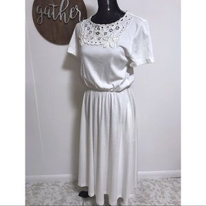 Vintage white dress with pearl flower detail